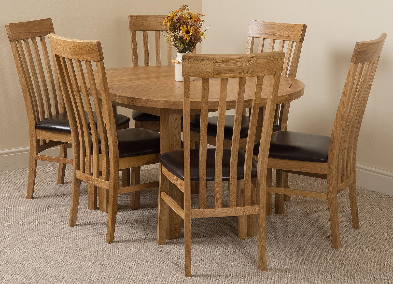 Edmonton Solid Oak Extending Oval Dining Table With 6 Harvard Chairs Light And Brown Leather