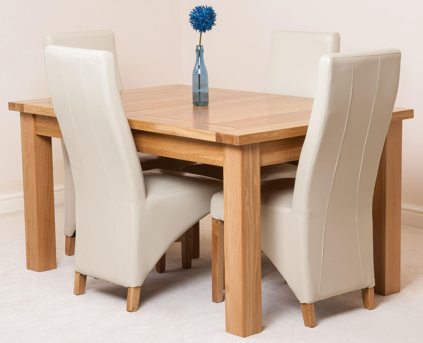 Seattle Extending Oak Dining Table With 4 Black Lola Chairs