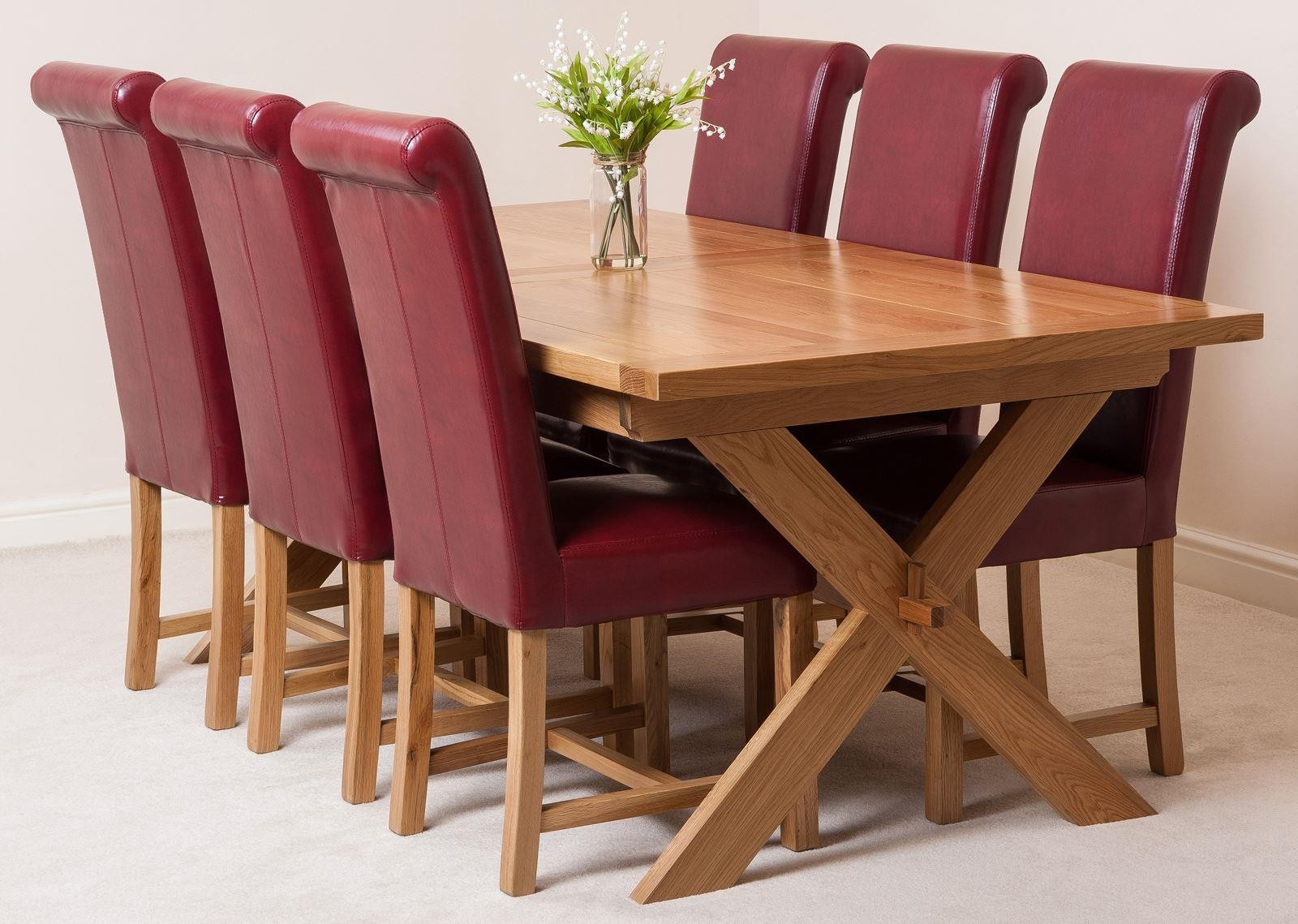 Vermont Extending Oak Dining Table With 6 Black Lola Chairs