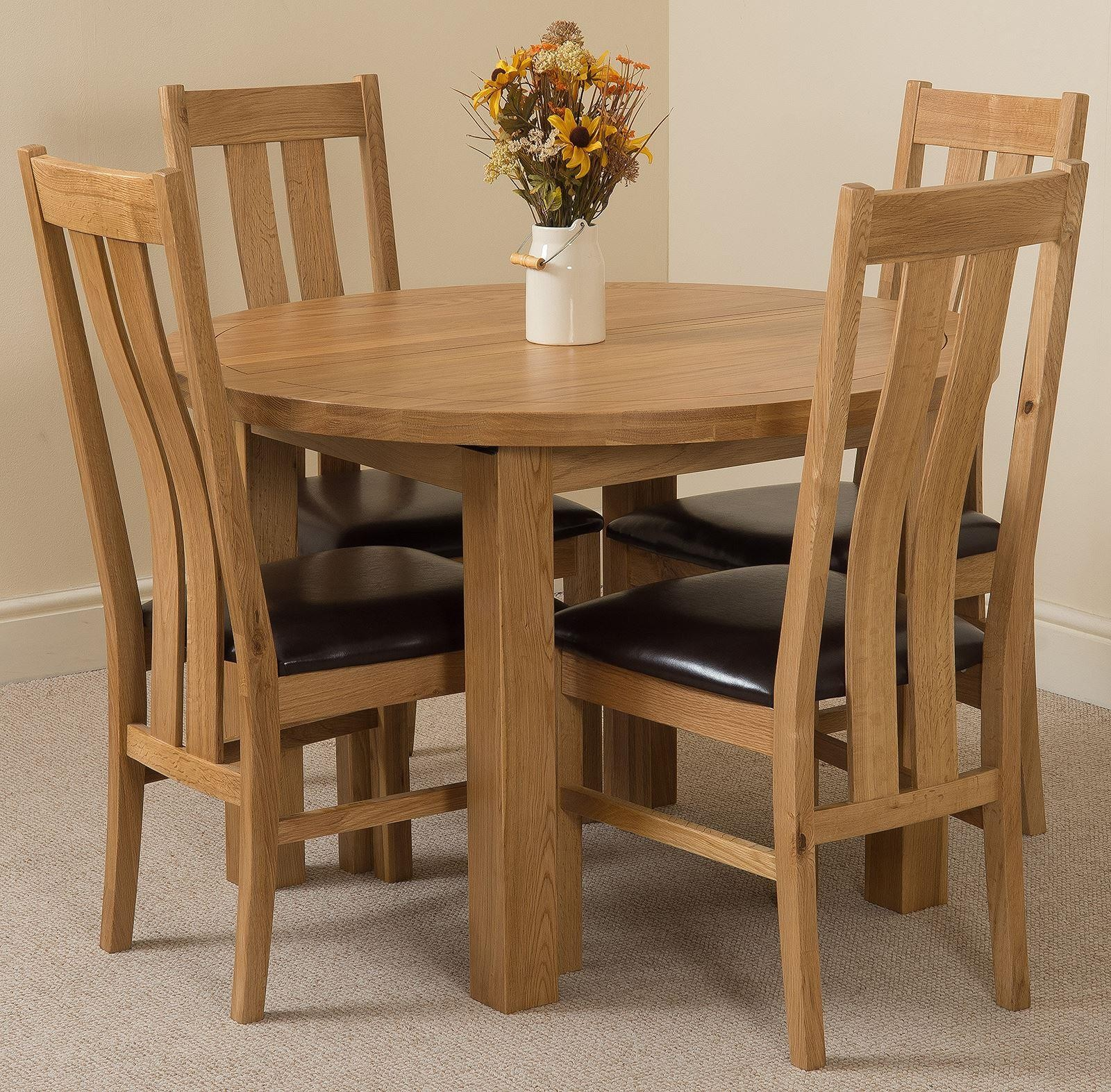 Edmonton Solid Oak Extending Oval Dining Table With 4 Princeton Solid Oak Dining Chairs [Light Oak and Brown Leather]