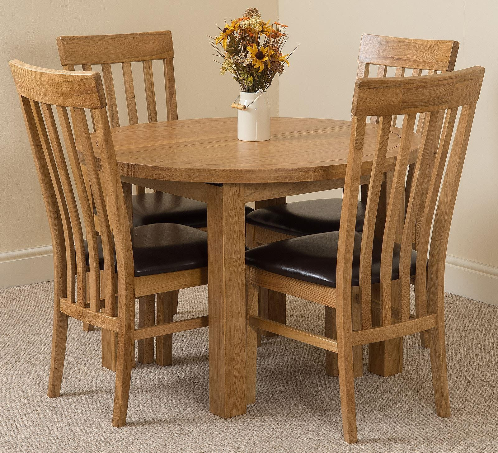 Edmonton Solid Oak Extending Oval Dining Table With 4 Harvard Solid Oak Dining Chairs [Light Oak and Brown Leather]